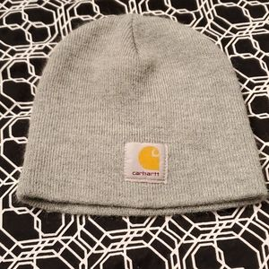 Keep the cold 🥶 away with this Carhartt beanie